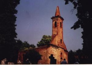 A templom a felújítást megelőzően, 1996-ban
